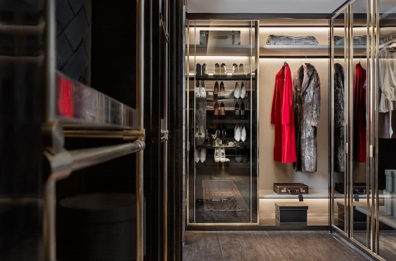 Wardrobe Closets Offer Attractive Storage Solutions
